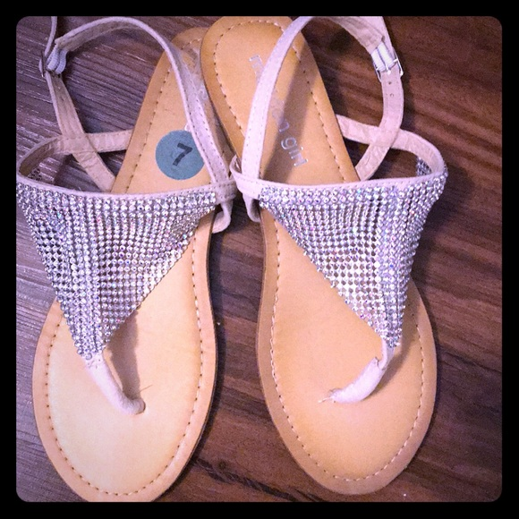 93bc316f7ac Shoes - Madden girl size 7 Sabeer Embellished Sandal